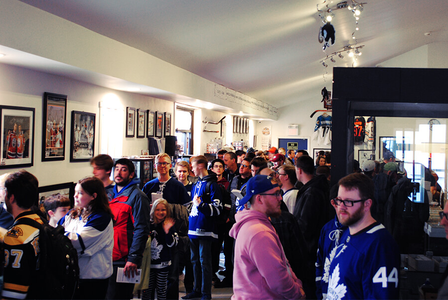 A very large crowd gathered inside the CloutsnChara store for the Steve Dangle Glynn book signing in April 2019