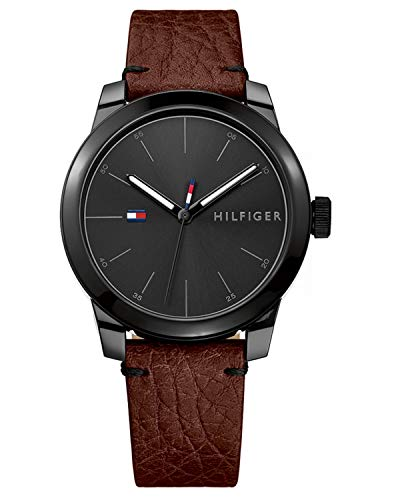 Watch Tommy HilfigerMen's Classic Watch Quartz Mineral Crystal