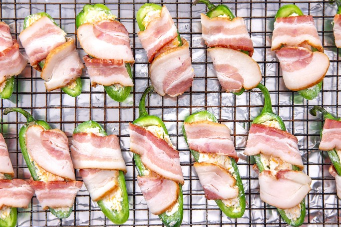 Arrange the bacon wrapped jalapeno poppers on a rack