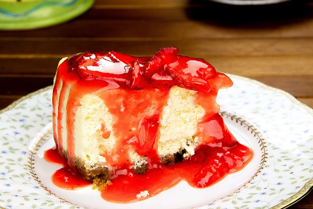 New York Style Cheesecake Recipe with Strawberry Topping
