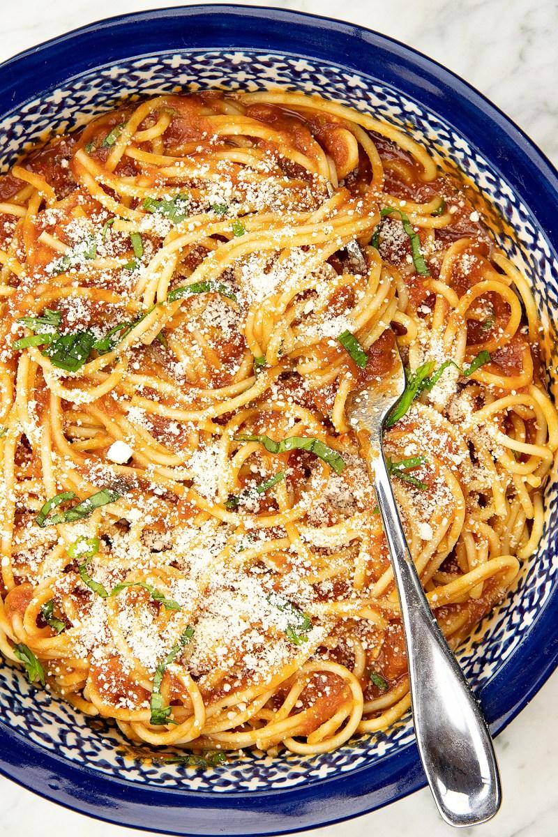 Spaghetti with cheese