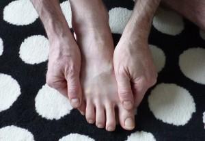 se faire du bien homme massage du pied_2