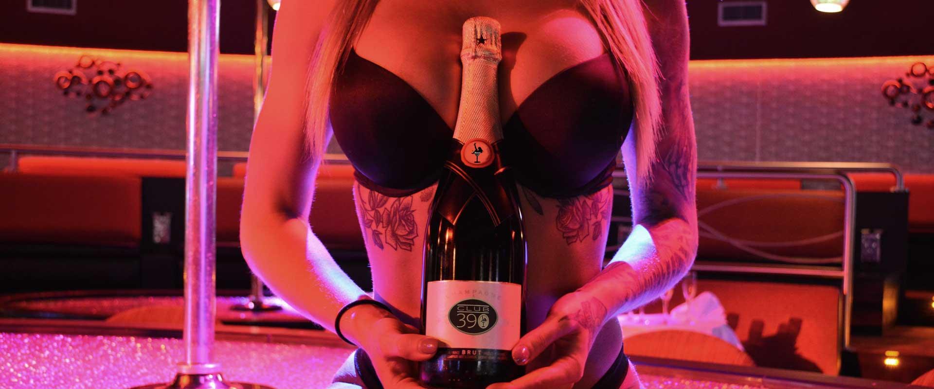 Strip-Club-Full-Liquor-Bar
