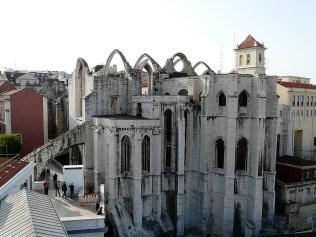 Eine Kirche ohne Dach
