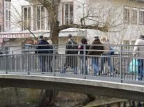 Über sieben Brücken...