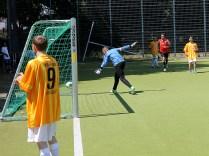 Der Hertha-Keeper macht den Flieger