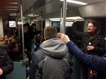 In der S-Bahn wurde gesungen
