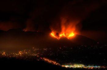 This city is burning., por T i q s ©
