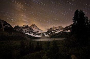 Assiniboine Star Light, por Jeff Pang