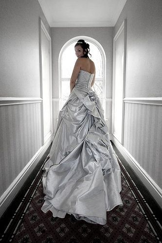 Emily's Wedding Dress, por Brian Tomlinson