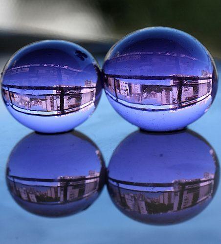 City Refraction, City Reflection, por lrargerich