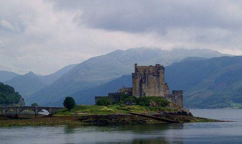 Eilean Donan Castle Wester Ross Lochalsh Scotland, por conner395