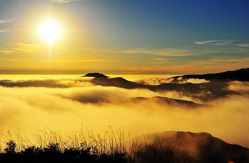 Golden Ocean of Fog, por MikeBehnken