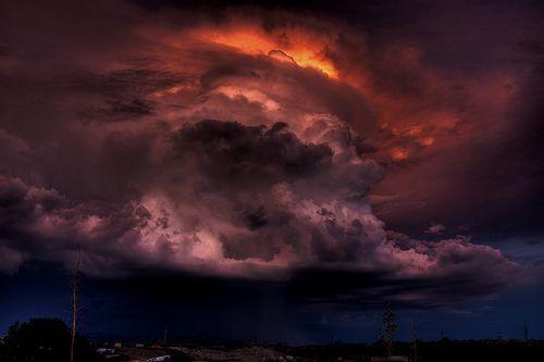 The Cloud of Darkness, por Dean Souglass