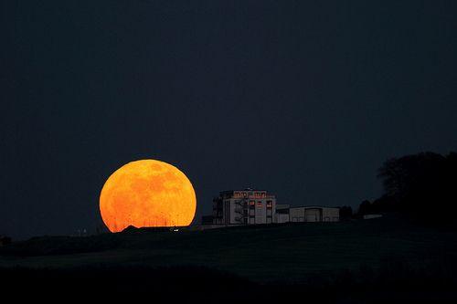 Full Moon at Perigee, por Nick, por Julian Schüngel