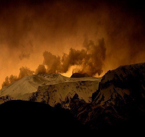 Volcano in iceland, por Sverrir Thorolfsson