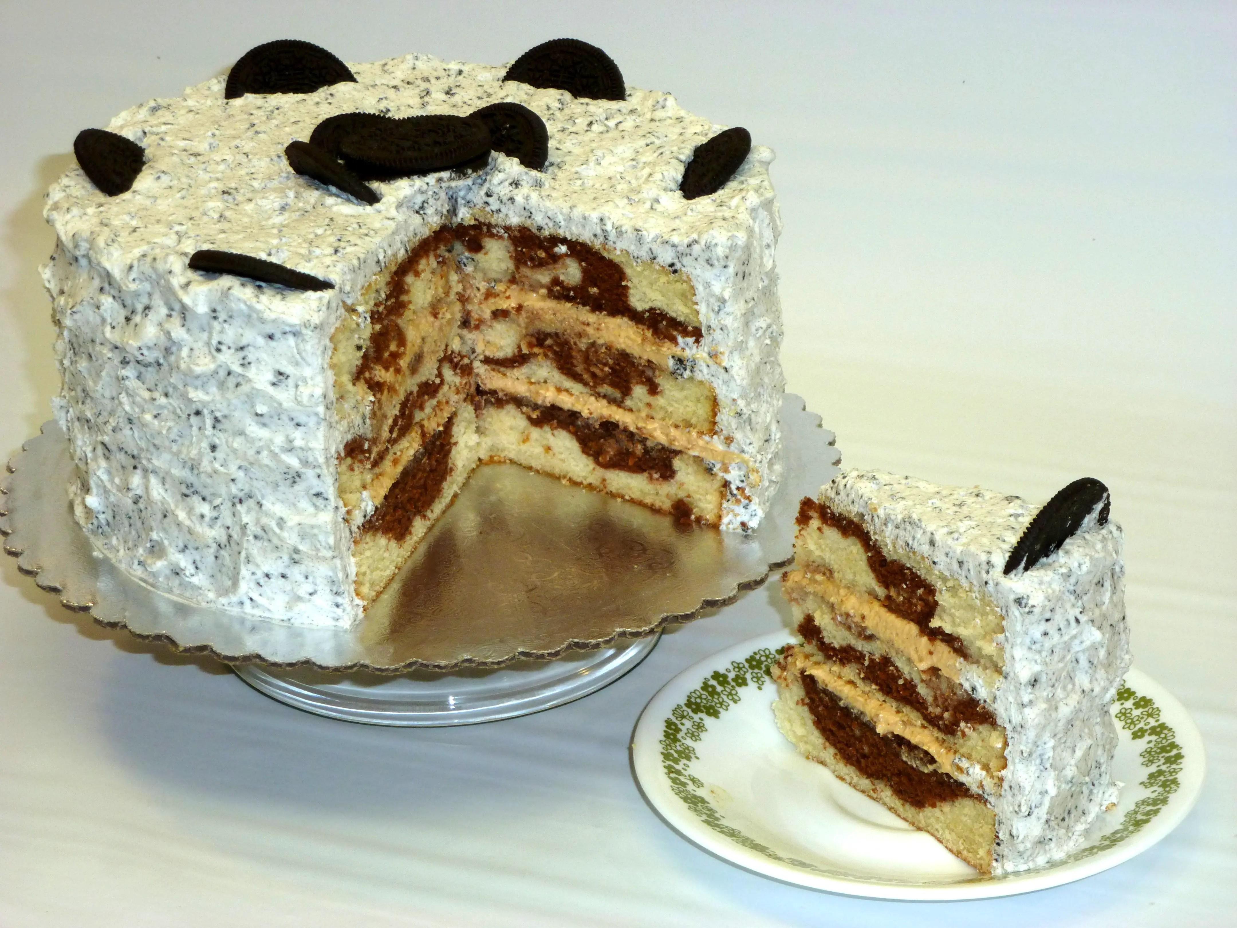 Torta de Vainilla y Chocolate con cubierta de mantequilla y galleta oreo - Club de Reposteria