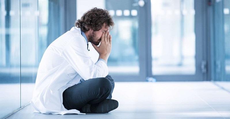 Burnout des médecins français : enquête 2020