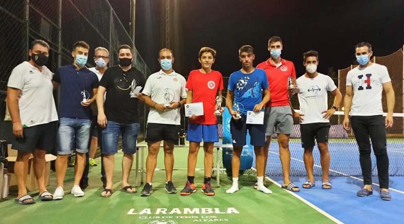 Entrega trofeos de la liga de tenis de la Rambla 2020