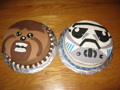 Mighty Mugg cakes by Doyouloveanapple @ Craftster