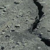TLJ Trailer #2: Crack