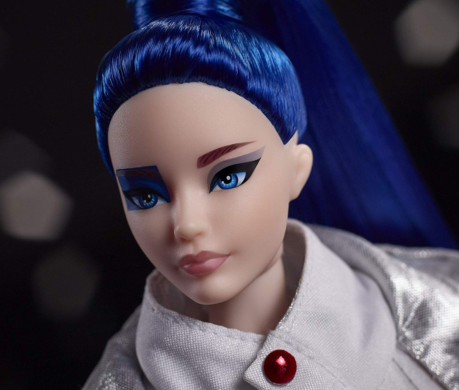 Artoo Barbie (face)
