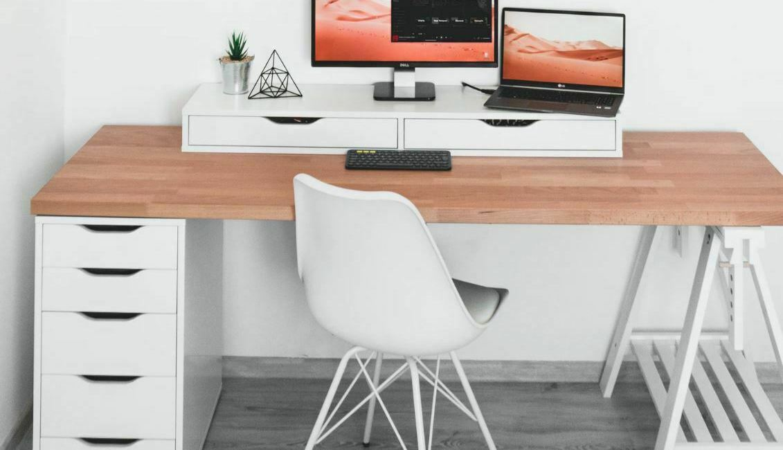 como sentarse correctamente delante del ordenador