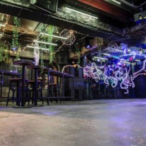 【大阪クラブ】クラブアルザル大阪 - ALZARは大阪の人気のクラブ、テクノやハウス、4つ打ち中心の音箱として人気、初心者にもおすすめCLUB