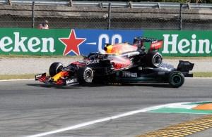 Mercedes разкрива щети по колата на Хамилтън
