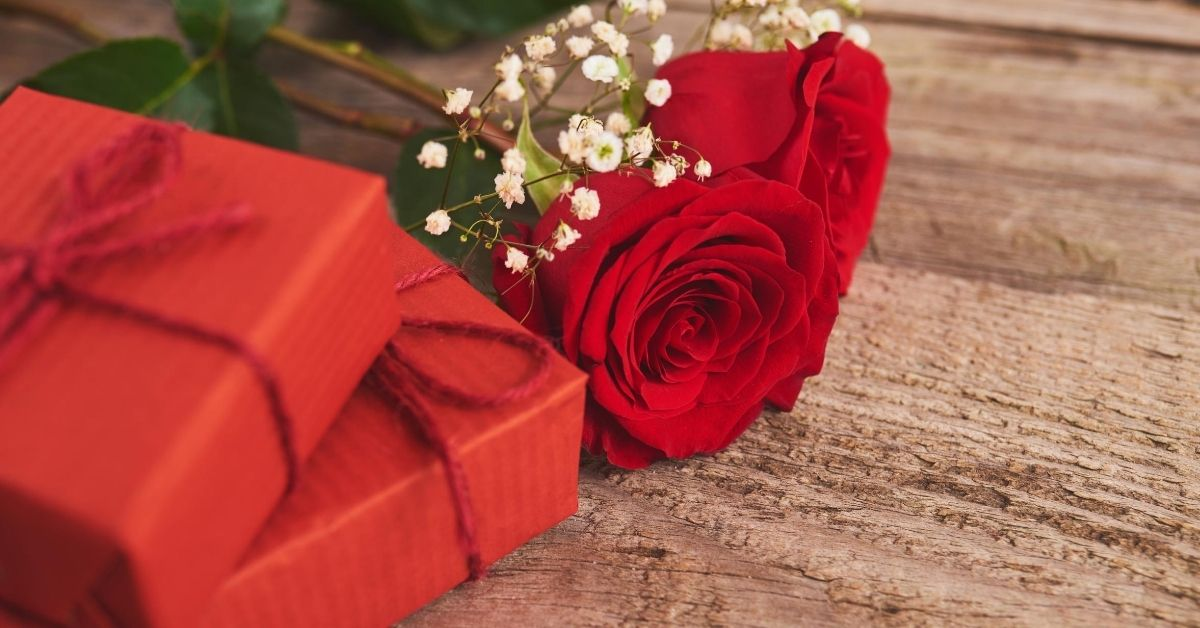 Club Thrifty's Valentine Confessional - picture of red presents and red roses