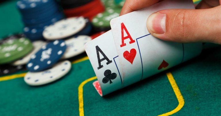 Las Vegas: Thoughts on Gambling, Smoking, and Cheap Stuff