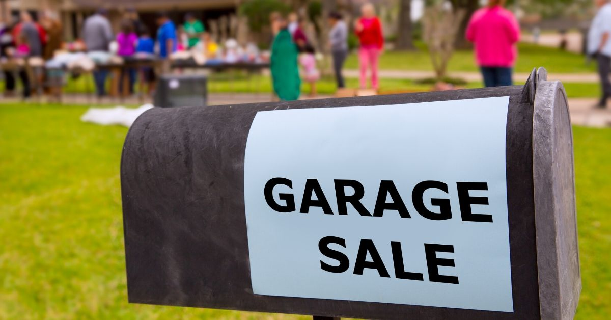 5 Reasons to Love Garage Sales