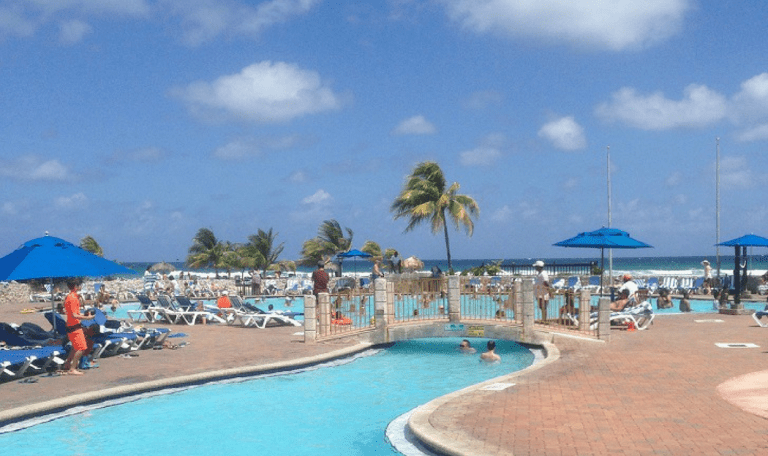 Holiday Inn Resort Montego Bay Review: An Affordable Caribbean Option for Families