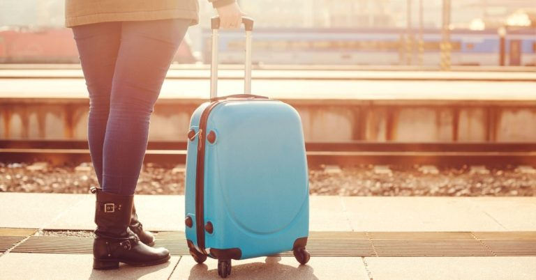 Our 5 Favorite Money Saving Travel Tools
