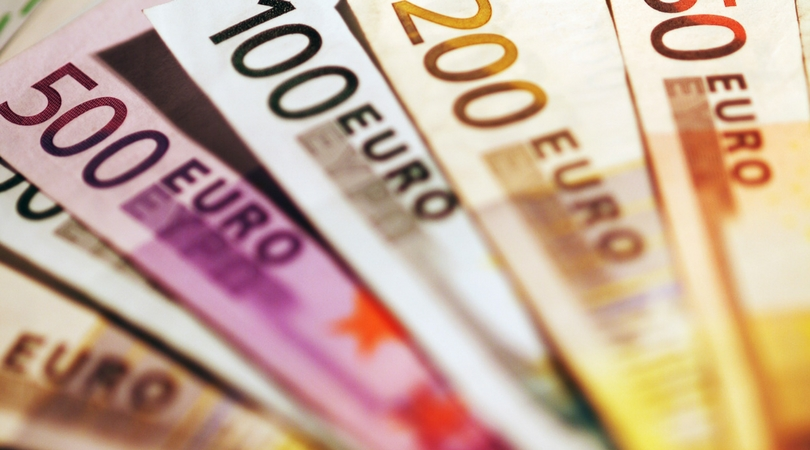 How to Exchange Currency and Avoid Hefty Fees