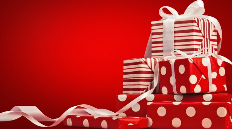 Avoid the Holiday Spending Blues with These Gift-Giving Tips
