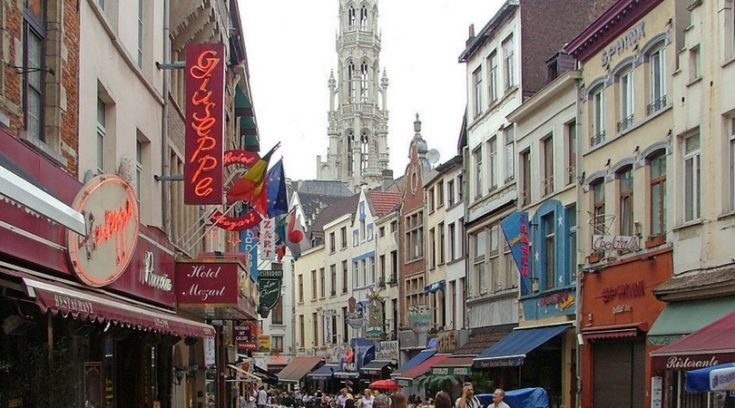 image of busy street in Brussels
