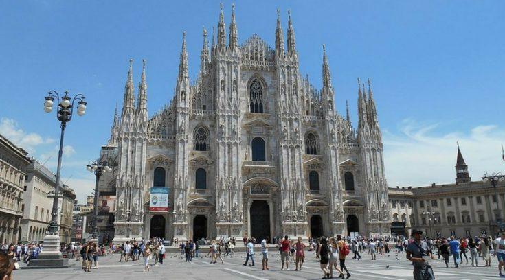 photo of duomo in Milan, Italy