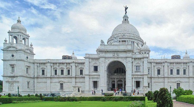 image of white building in Kolkata