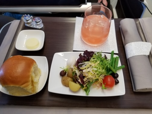 Hawaiian Air First Class review - dining