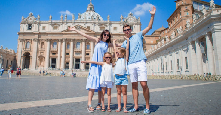 Reasons to have a high yield savings account - picture of happy family on vacation