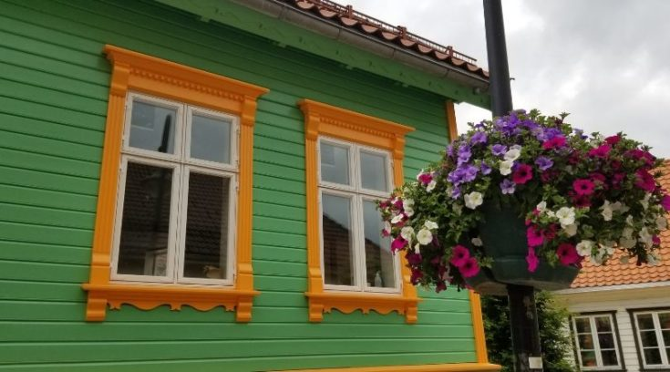 Photo of house and flowers in Stavanger, Norway