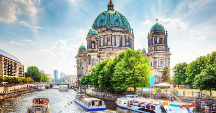 Go Berlin Pass Review - picture of Berlin Cathedral with boats in river