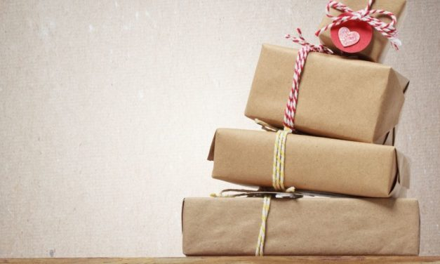 9 Tips to Keep Holiday Spending in Check