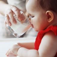 Când se introduce laptele de vacă în alimentația copilului?