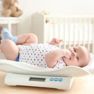 Creșterea în greutate la bebelușul alăptat
