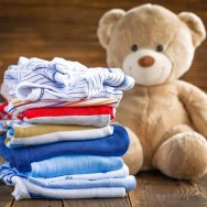 Călcăm sau NU hainele bebelușului?