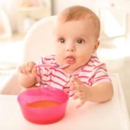 Cât de mult trebuie să mănânce un bebe?