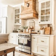 Cozy Farmhouse Kitchen Design Ideas To Try Asap02