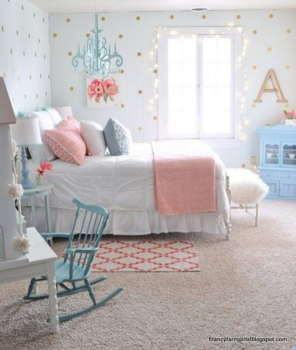 Delicate Tiny Bedroom Decor Ideas For Teens30